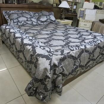 Атласное покрывало на кровать стеганое евро 230х250 Венеция 144201