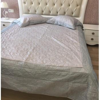 Атласное покрывало на кровать стеганое евро 230х250 Bluedream Grey 180104