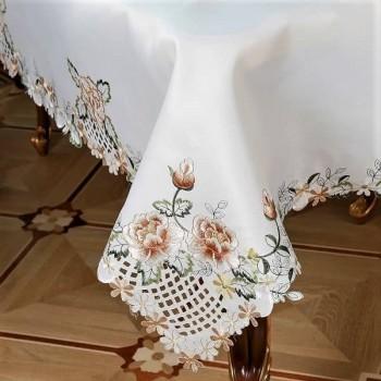 Атласная скатерть круглая/прямоугольная с вышивкой Алиса фото 2