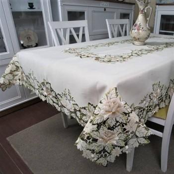 Атласная скатерть на стол прямоугольная с вышивкой Розы