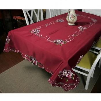 Атласная скатерть круглая/прямоугольная красная с вышивкой Глория фото 1