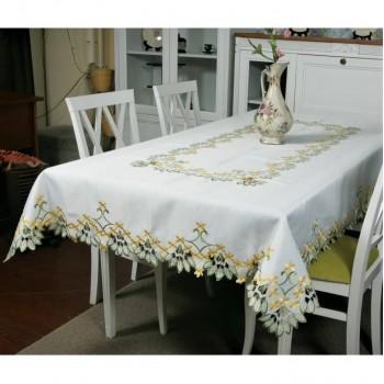 Атласная скатерть на стол прямоугольная с вышивкой Первоцвет фото 3
