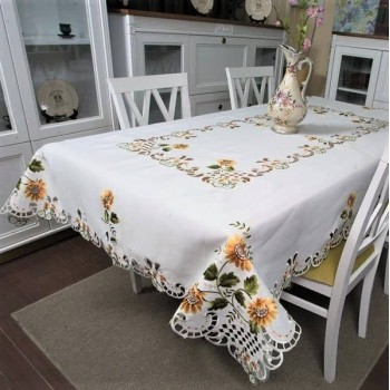Атласная скатерть на стол прямоугольная с вышивкой Подсолнух 8058А от ALLTEX в интернет-магазине PannaTeks