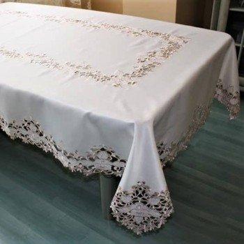 Атласная скатерть круглая/прямоугольная с вышивкой Кружевная роза