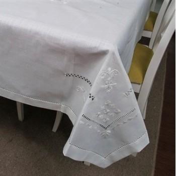 Льняная скатерть с вышивкой белая 307 фото 1