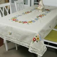 Льняная скатерть с вышивкой и кружевом Полевые цветы