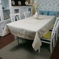 Льняная скатерть на стол с вышивкой 0106