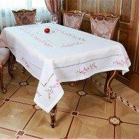 Льняная скатерть на стол с вышивкой белая Сакура