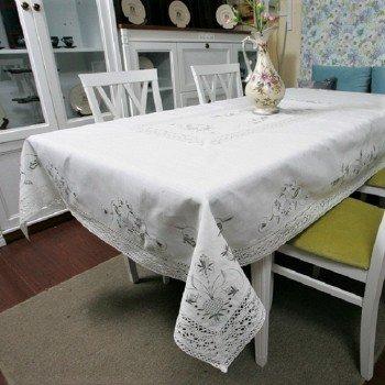 Льняная скатерть с вышивкой и кружевом 112-3 белая