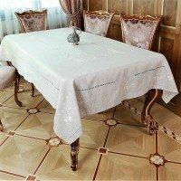 Льняная скатерть на стол с вышивкой 304