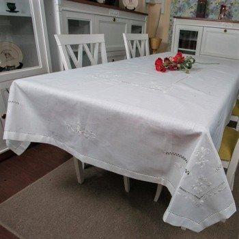 Льняная скатерть с вышивкой белая 307