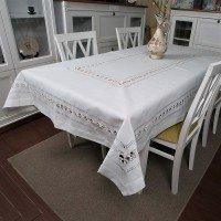 Белая льняная скатерть на стол 819