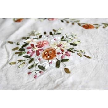 Льняная скатерть вязаная с вышивкой Тонкая вязка фото 2